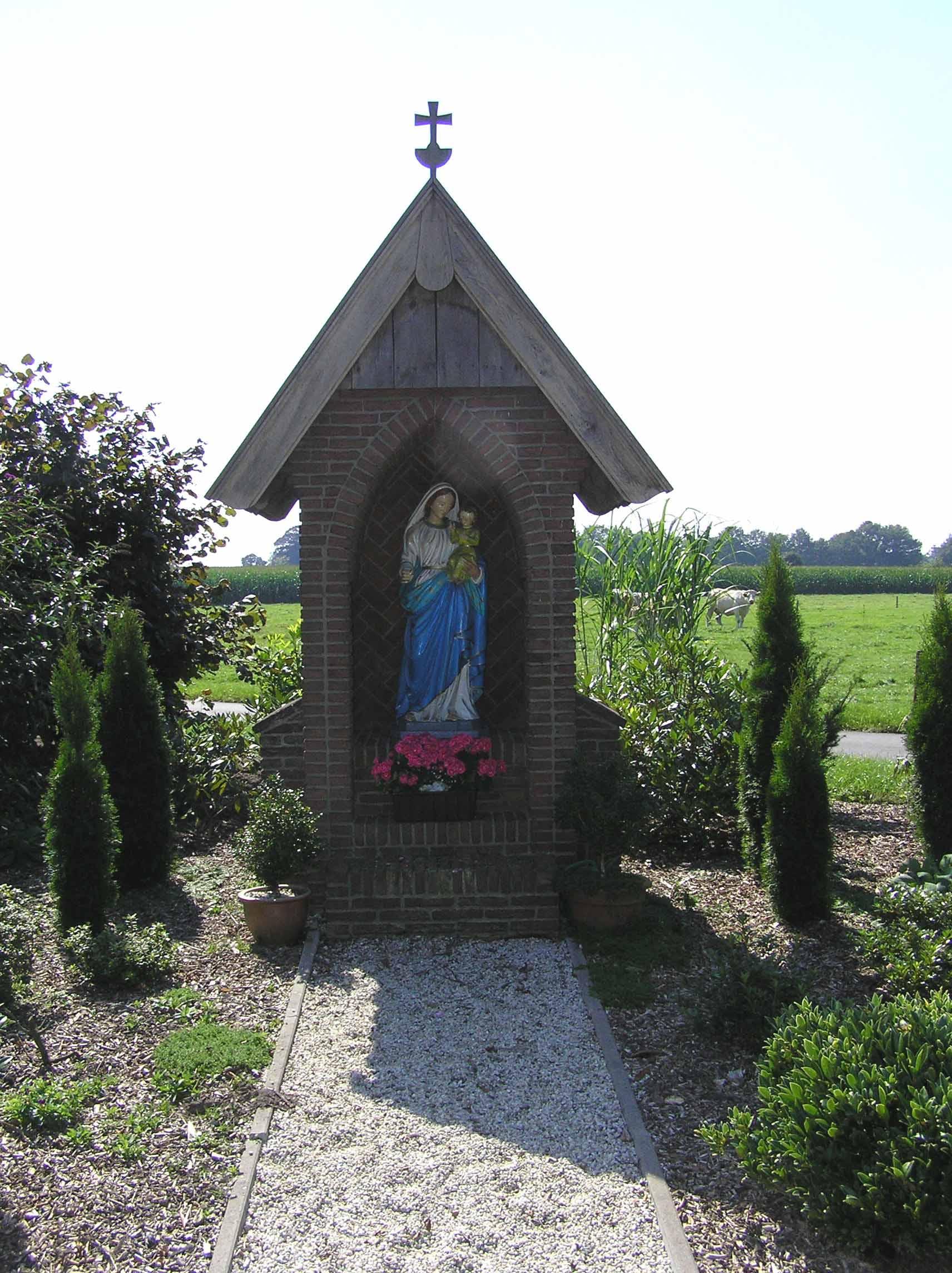 2. Mariakapel aan de Disseroltweg in Lattrop