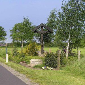 19. Landkruis aan de Voltherdijk in Beuningen