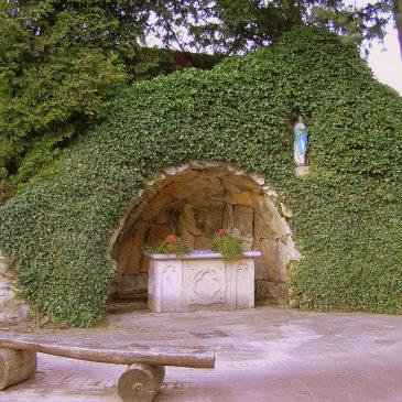 41. Lourdesgrot bij kerkhof, Plechelmusstraat, De Lutte