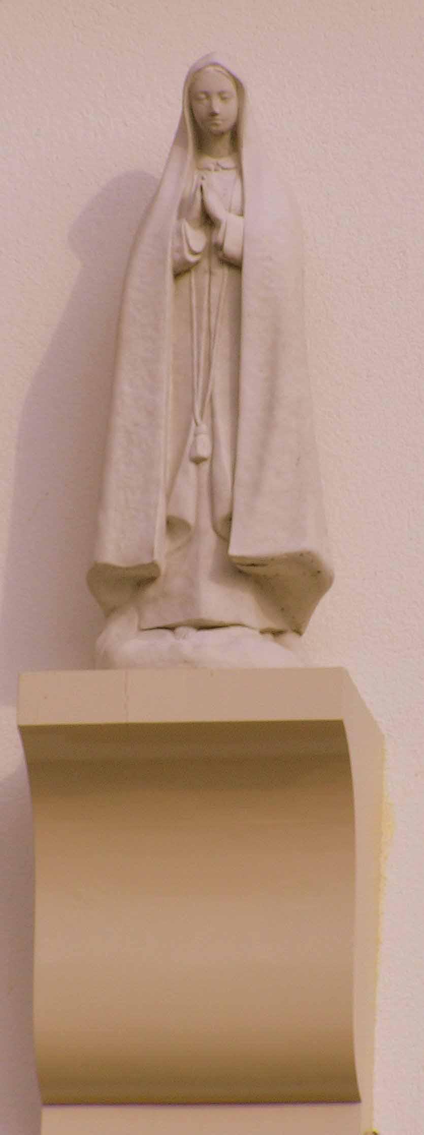 69. Mariabeeld aan gevel Hoofdstraat in Zenderen
