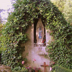 70. Madonna en Lourdesgrot aan de Retraitehuisweg in Zenderen