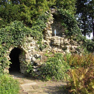 95. Mariabeeld op landgoed Heeckeren, Kloosterlaan, Goor