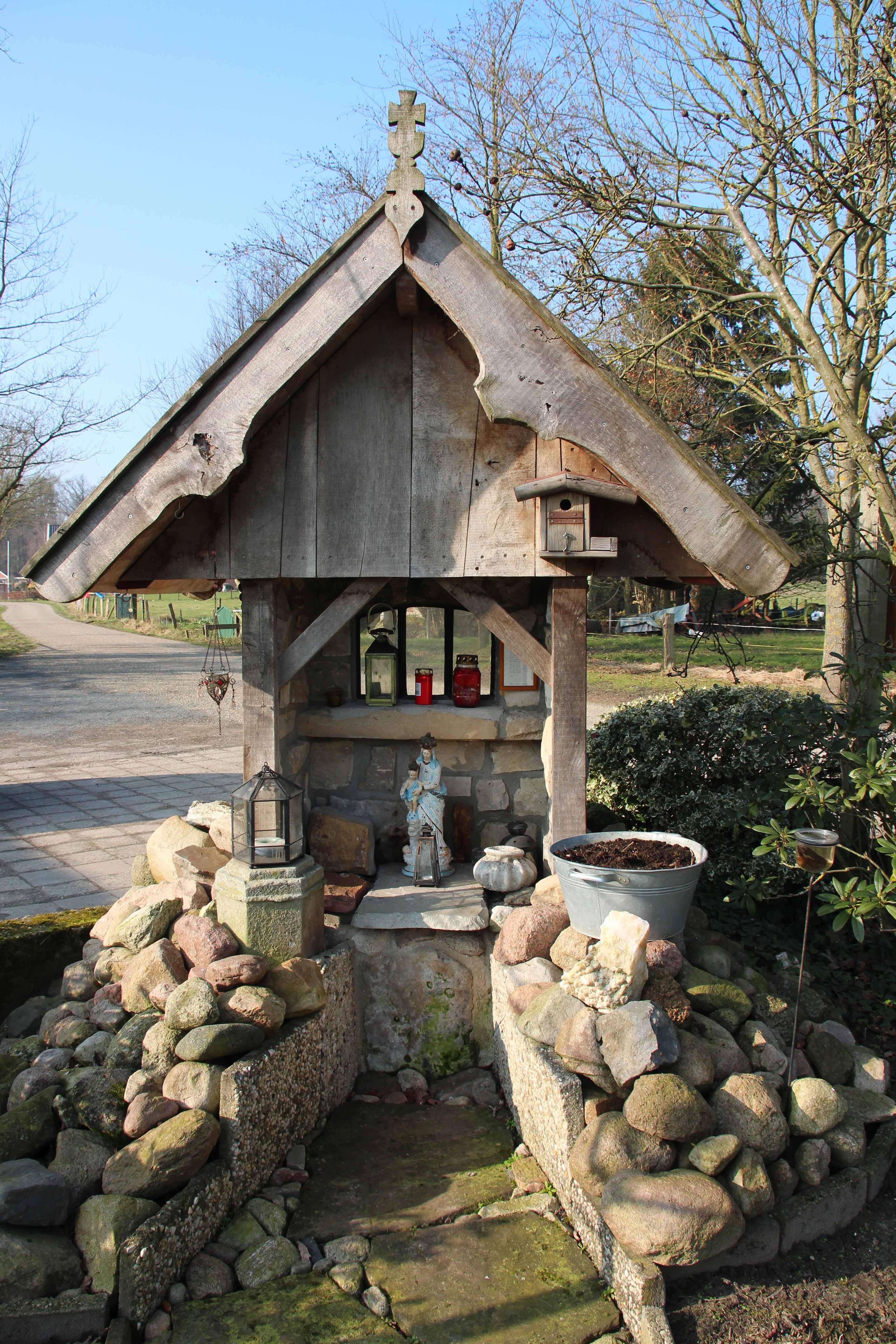 110. Mariakapel aan het Lutterkerkpad in De Lutte