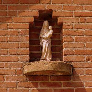 4. Mariabeeld in gevel schuur erve Enkman aan de Ootmarsumsestraat in Tilligte