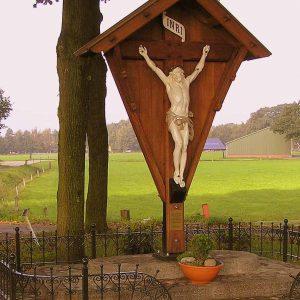 66. Landkruis aan de Carmelitessenweg in Zenderen