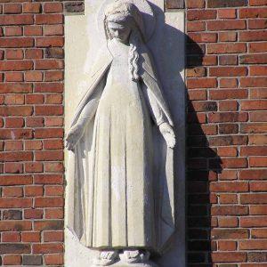 """79. Mariabeeld aan gevel """"de Balkon"""" aan de Hooidijk te Vasse"""